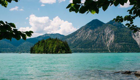 Wandern mit Kinderwagen am Walchensee