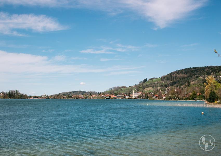 Blick auf den schliersee, einer der schönsten seen in oberbayern