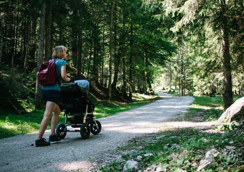 Wandern mit Kinderwagen im Karwendel zum Rohntalboden