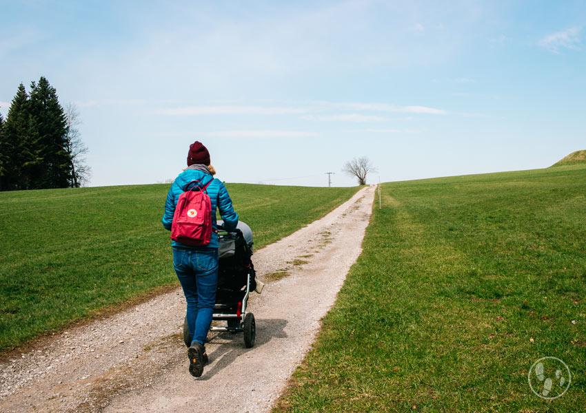 Wanderung mit Kinderwagen durch das Mangfalltal und oberhalb von Thalham
