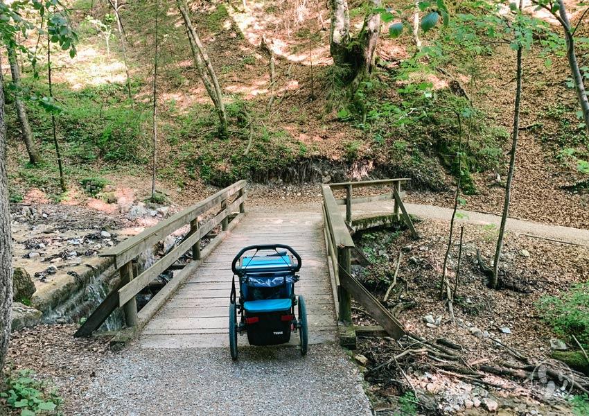 Kinderwagen auf dem Altherrenweg Oberammergau