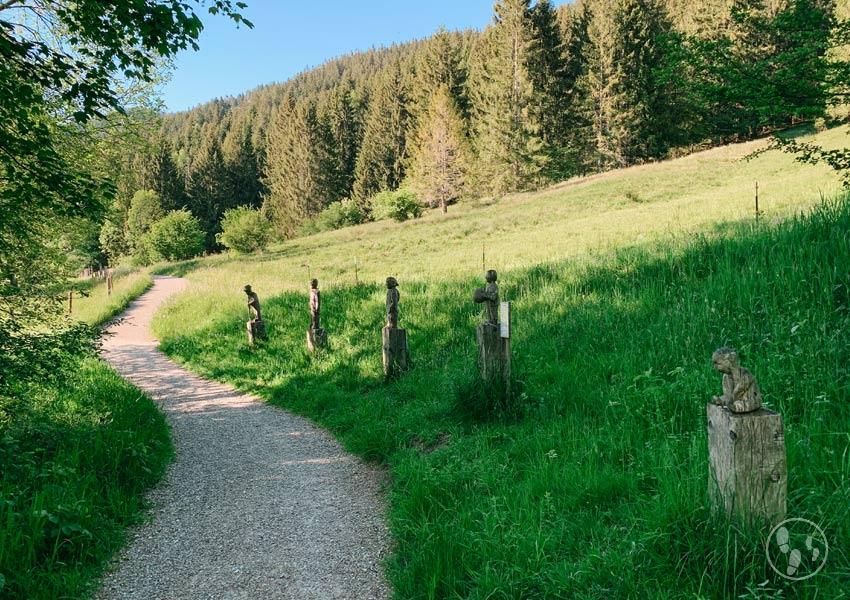 Holzskulpturen am Altherrenweg Oberammergau
