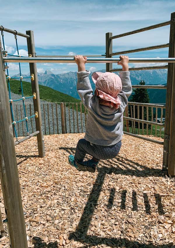 Klettergerüst an Leos Spielewanderweg